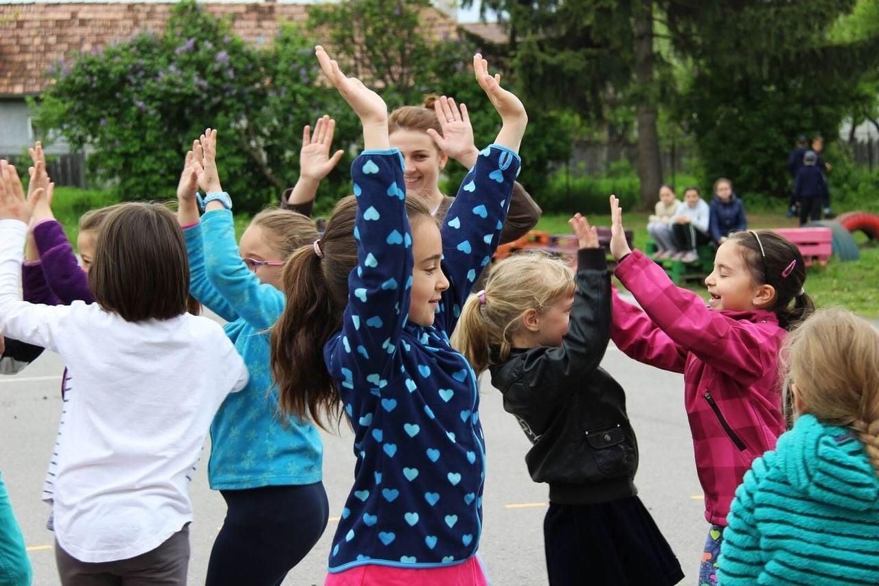 Gyermeknapi játékmaraton karaván