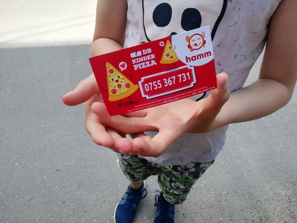 Pizzát a nélkülöző gyerekeknek is